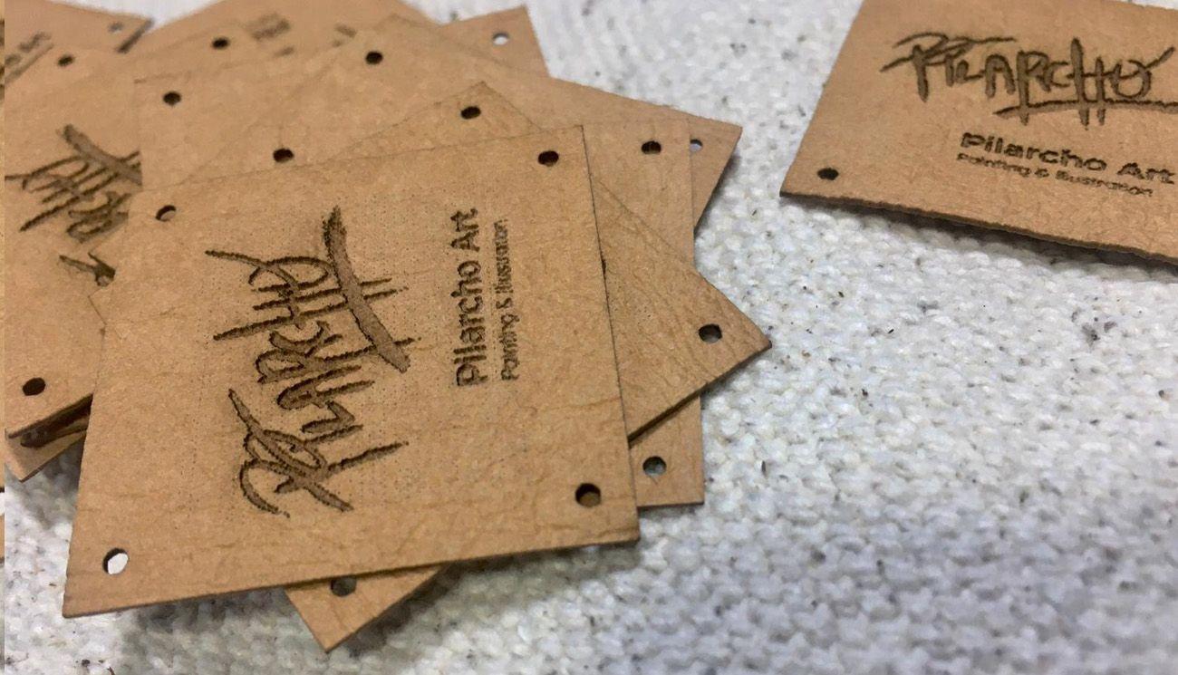 etiquetas marrones de tela pilarcho art