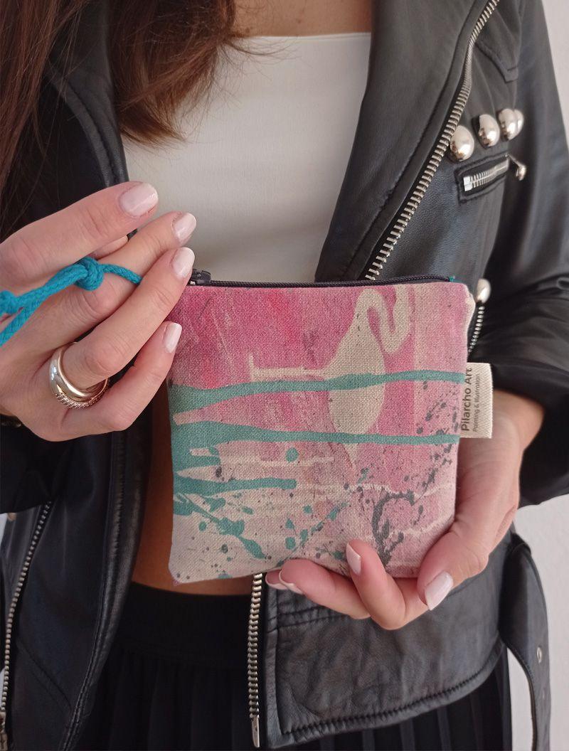 detalle de carterita, un lienzo hecho cartera de la colección wildrose
