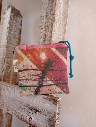 carterita, un lienzo hecho cartera de la colección wildrose