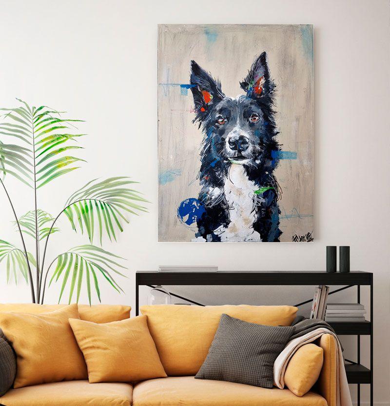 Es un lienzo por encargo el retrato de un perro grande alegre llamada xana